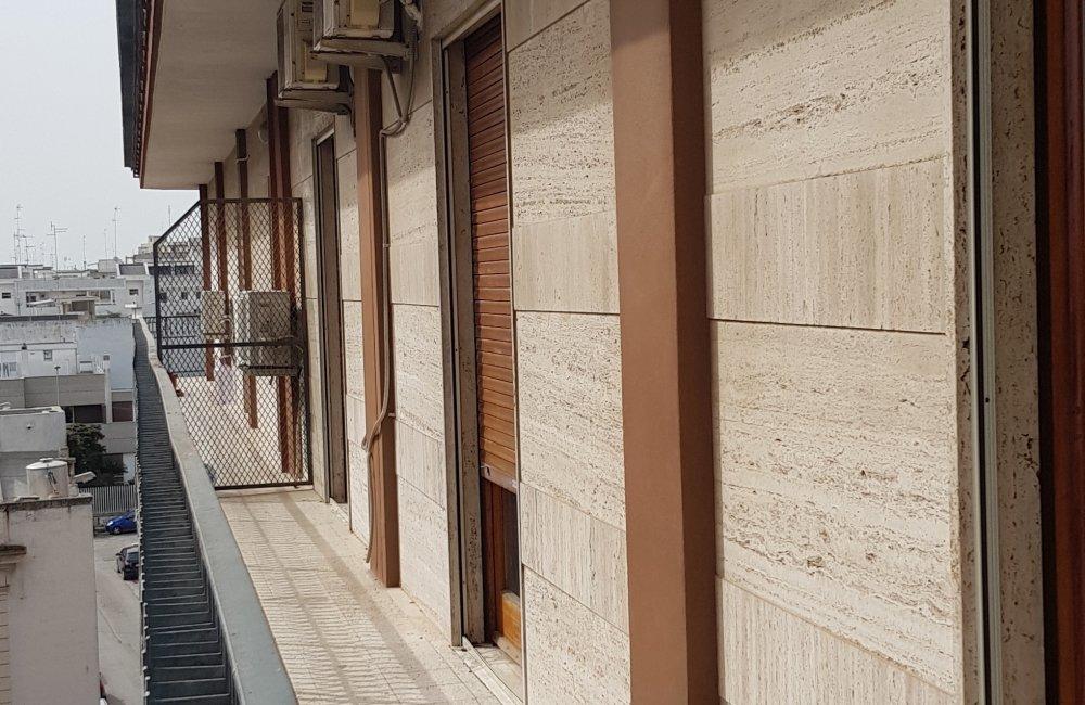 ZONA OSPEDALE LUMINOSO E AMPIO 3 VANI